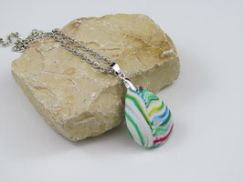 Halskette mit buntem Steinimitat
