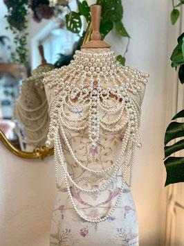 Body Necklace Pearls - Cream