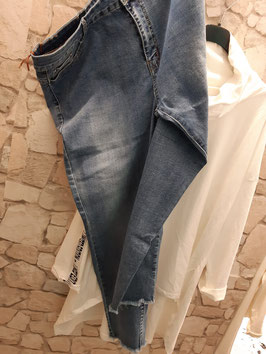 Jeans Basic Blau 42