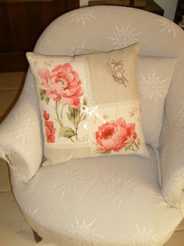 Housse coussin lin roses pivoines