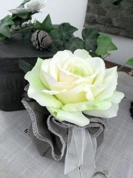 aumonière rose blanche avec reflets verts