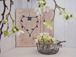 Metallherz mit Blüte und Blättern - zum Hängen - im Vintagestyle