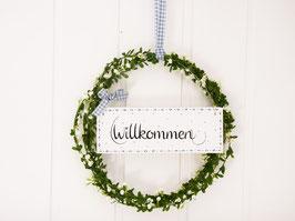 """Blütenkranz """"Nellie"""" - mit Holzschild """"Willkommen"""" - (weiße Blüten)"""