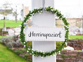 """Blütenkranz """"Tilly"""" - mit Holzschild """"Hereinspaziert"""" - reserviert für Kathrin"""