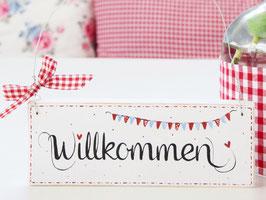 """Holzschild """"Willkommen"""" - weiß mit Wimpelkette, im skandinavischen Landhausstil"""