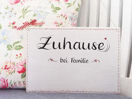 """Türschild """"Elvy""""  - *Zuhause bei Familie ...* - personalisiert mit Wunschnamen"""
