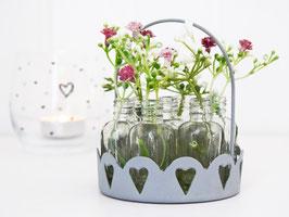 Metall-Korb mit 7 mini Flaschen und zarten, künstlichen Blütenästen