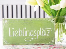 """Holzschild """"Lieblingsplatz"""" - lindgrün"""