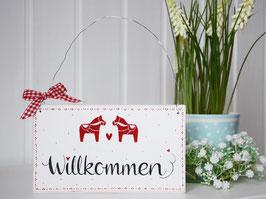"""Holzschild  """"Elvin"""" -  """"Willkommen"""" , weiß, mit kleinen Dalarna-Pferdchen, im schwedischen Landhausstil"""