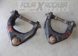 Bracci braccetti sospensione superiori Mitsubishi Pajero 1'serie