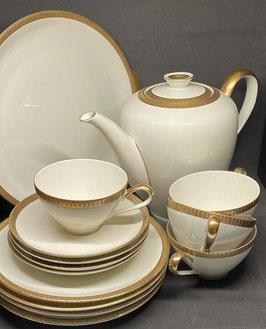 Vendido Servicio para cafe o te - 4 personas porcelana crema borde dorado
