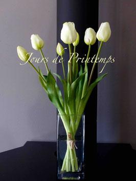 Botte de 4 grosses tulipes et 3 boutons Blanc