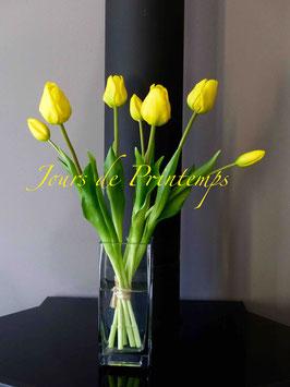 Botte de 4 grosses tulipes et 3 boutons  Jaune