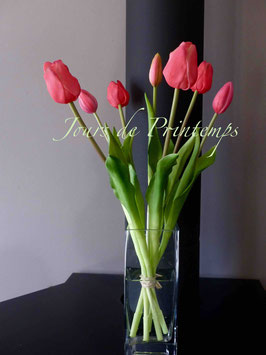 Botte de 4 grosses tulipes et 3 boutons Rose Fushia