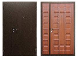 Двустворчатая входная дверь, цвет внутренней панели - орех итальянский