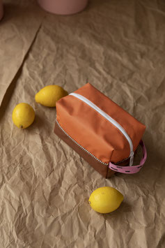 Toiletry Bag Carrot Orange / Syrup Brown