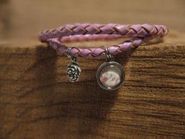 Blumiges Armband mit altrosafarbenden Lederband, Blumenbild und wunderschöner Rose