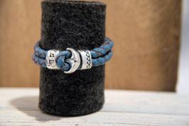 Blaues Lederband mit Naturkanten, doppelreihig mit Anker als Knebelverschluss