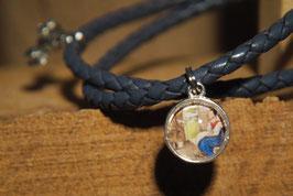 Aschenputtel, farbiges Bild mit Kutsche am geflochtenen blauem Lederband