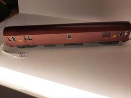 wagon de la poste de marque LIMA ( 2 en stock )                          (réf : dom 26 )
