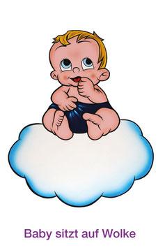 Baby sitzt auf Wolke