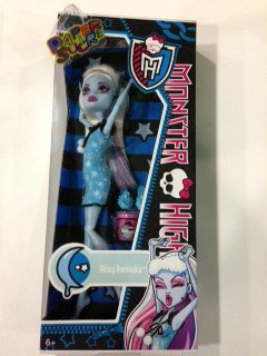 MUÑECA ABBEY BOMINABLE MONSTER HIGH FIESTA PIJAMA