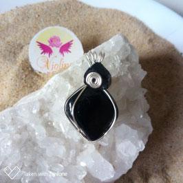 Tourmaline noire,  pendentif fait main
