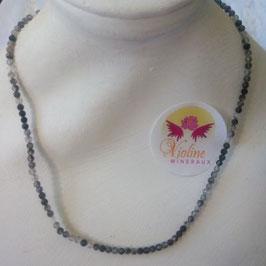 Quartz tourmaline, collier perles 2mm facettes 45cm