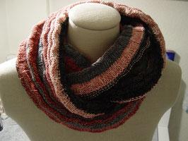 Schal mit einem Bobbel gestrickt