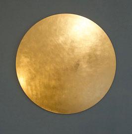 Diese beiden, mit echtem Blattgold handvergoldeten Himmelskörper, erstrahlen an der Wand und bringenGlanz und Wohlgefühl in IhreRäume.