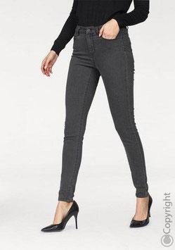 Vero Moda PB Jeans - Samo 149,45 HRK