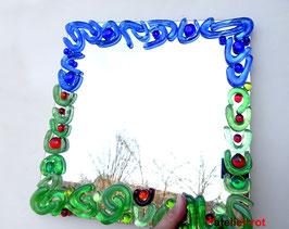 Spiegel mit Mosaik aus Glasnuggets Waldbaden