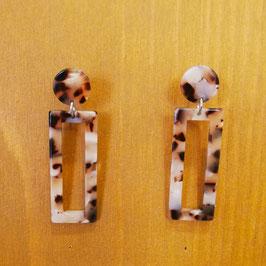 Boucles d'oreilles rectangles écailles marron et blanches