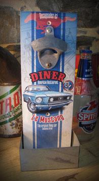 "décapsuleur mural Ford mustang ""Diner"", american restaurant, par déco bolides"