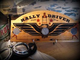 """Patère """"Rally Driver"""" avec soupapes auto ancienne, par Déco bolides"""
