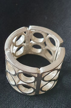Bessa ring- circular