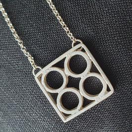 Bessa pendant -circles