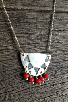 Small modern tribal necklace - coral