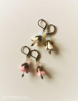Ohrringe Emaille Blumen, altrosa und creme