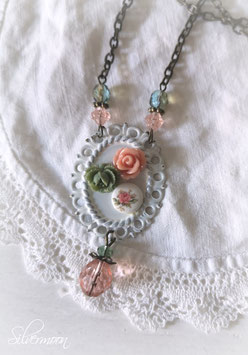 Kette Blumenmedaillon rosa, grün