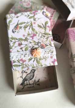 Schächteli Vögel, Schmetterlinge, Zweige
