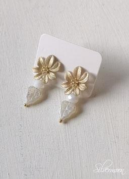 Ohrstecker Blume, mattes gold, Blätter