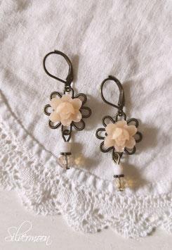 Ohrringe Rosen nude, Glasperlen