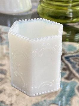 商品番号20120 ミルクグラスの楊枝入れ