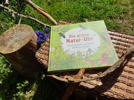 Die grüne Natur-Uhr von Irmgard Lucht