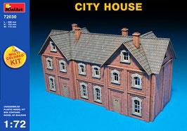 MINIART 72030  CITY  HOUSE 1:72