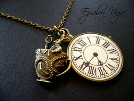 Collier sautoir Alice in Wonderland