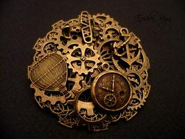 Broche ronde Jules Verne