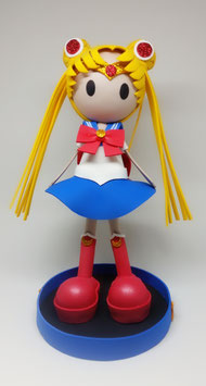 Zoé dressed up as Sailor Moon