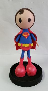 Niño disfrazado de Superman
